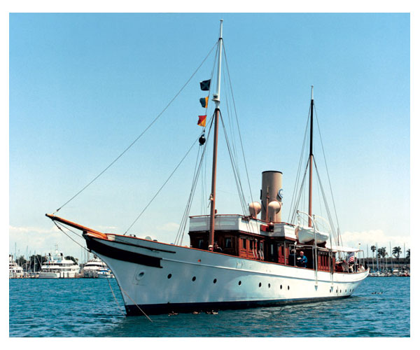 1904 Steam Yacht - Medea